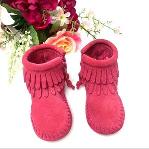 MINNETONKA Infants Pink Fringe Moccasin Booties